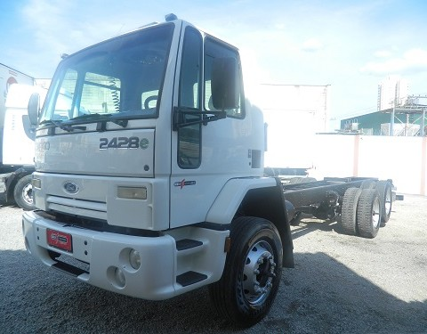 FORD CARGO 2428 ANO 2009 CHASSI